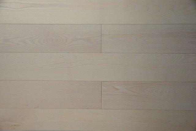 Deska podłogowa Jesion Bielony, podłoga jesionowa