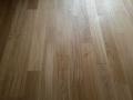 Deska podłogowa dąb, lakier, klasa NATUR, naturalny kolor drewna.
