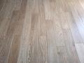 Podłoga drewniana z litego drewna dębowego, lakier, czterostronna faza, kl. NATURAL