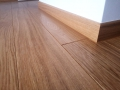 Podłoga i listwy z dębowe, lite drewno, kl. NATURL, lakier, producent Walczak